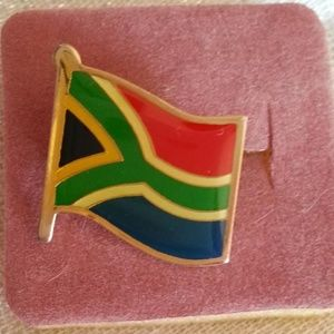 NWOT 🇿🇦South African Flag Pin